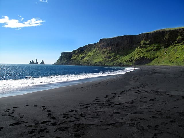 Black Sand Beaches Iceland: Reynisfjara Black Sand Beach