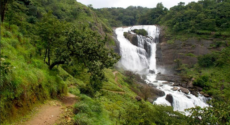 Mallalli Falls From Madikeri Places To Visit In Coorg