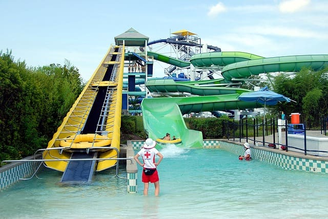 Things To Do In Oahu With Kids: Wet N Wild Hawaii Water Park