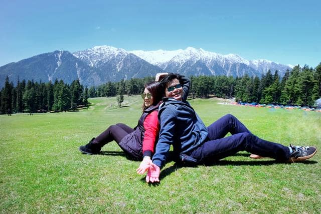 Honeymoon In Kashmir In December