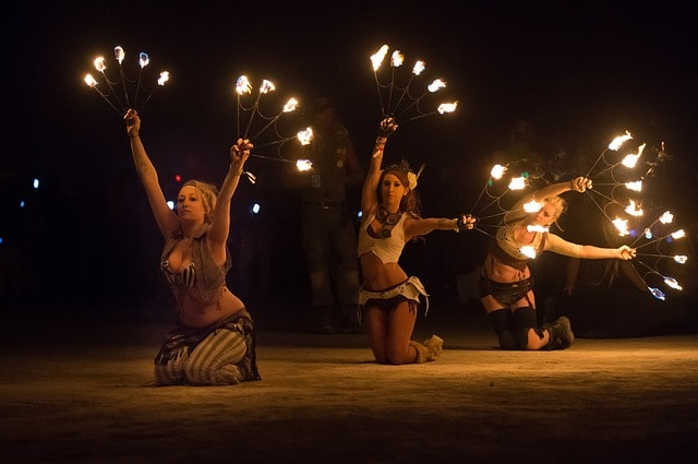 Things To Do In Oahu Hawaii: Attend The Luau Shows