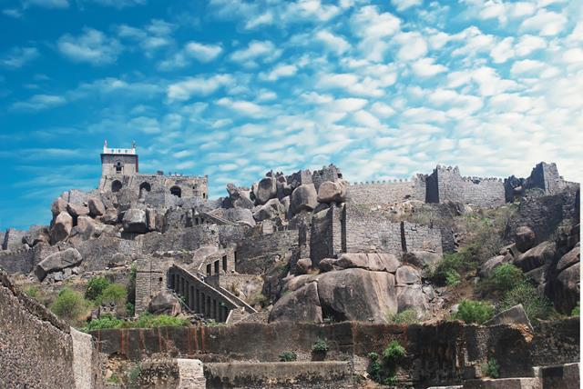 Tourist Place In Hyderabad Tourism: Golconda Fort Information