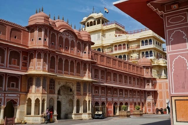 Places To Visit In Jaipur Tourism: City Palace Museum Jaipur IndiaPlaces To Visit In Jaipur Tourism: City Palace Museum Jaipur India