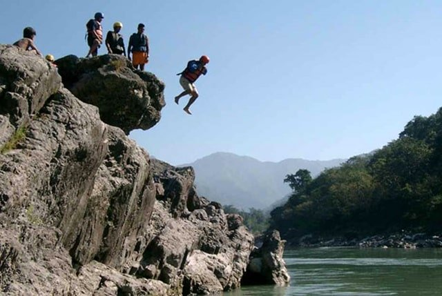 Cliff Jumping In Rishikesh Is The Best Things To Do In Rishikesh Trip