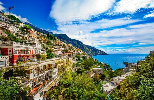 Visit The Vibrant Sorrento Italy