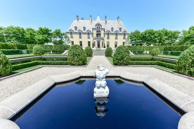Oheka Castle Tour