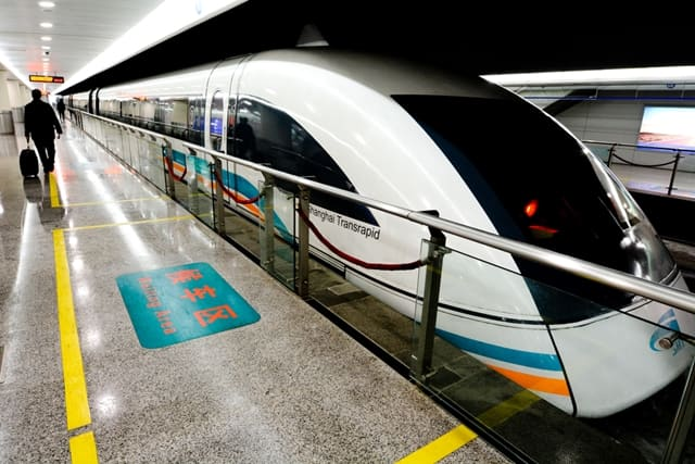 Travel In The Shanghai Maglev