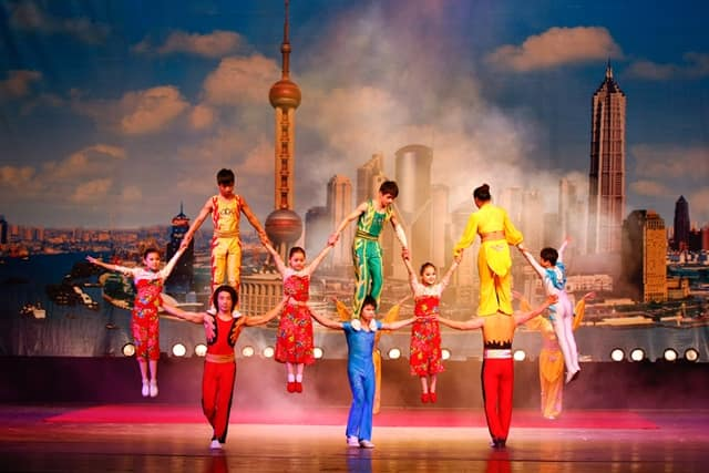 Attend The Shanghai Acrobatic Show