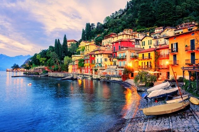 Hike At The Cinque Terre Fishing Village