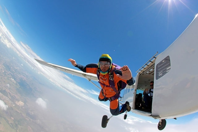 clothes to wear skydiving : Can You Wear Jeans Skydiving?