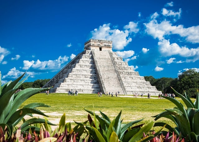 Who Built Chichen Itza And Why?