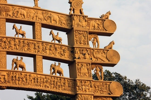 Sanchi Stupa ticket price: Sanchi Stupa Architecture: Lord buddha