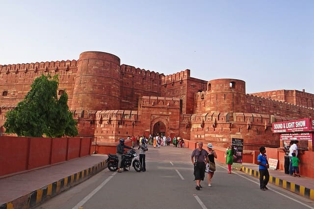 Agra Fort, Uttar Pradesh Popular Monuments In India