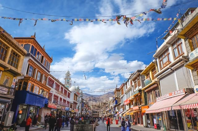 What Are Some Sightseeing Places In And Around Leh?